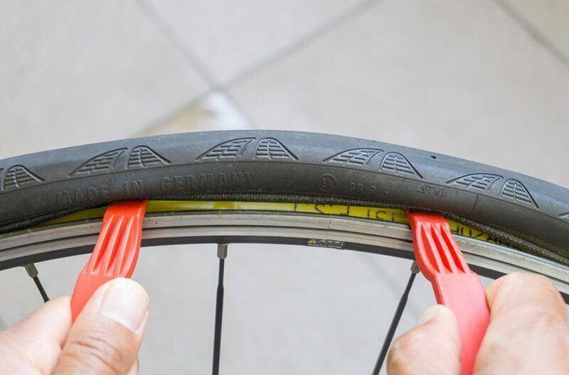 Как правильно менять камеру на велосипеде?   ремонт и уход   veloprofy.com