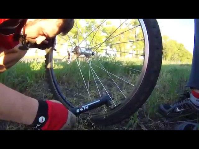 Как заклеить камеру велосипеда правильно?
