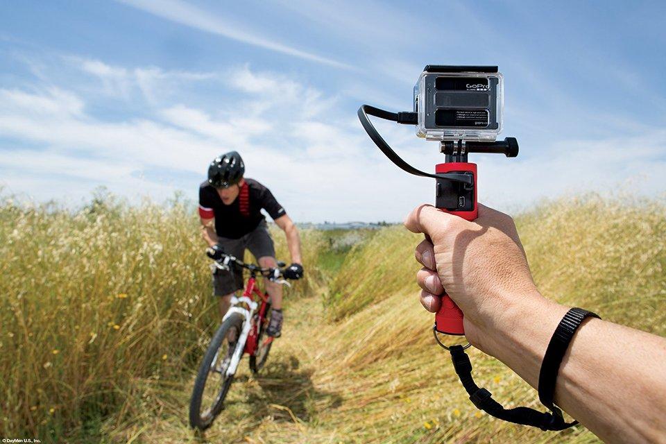 Как закрепить экшн-камеру на шлем?