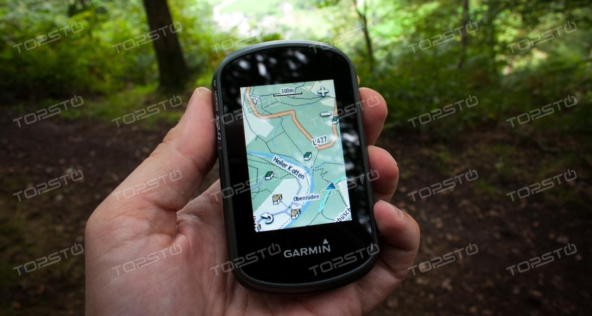 Что лучше, GPS-навигатор или смартфон?