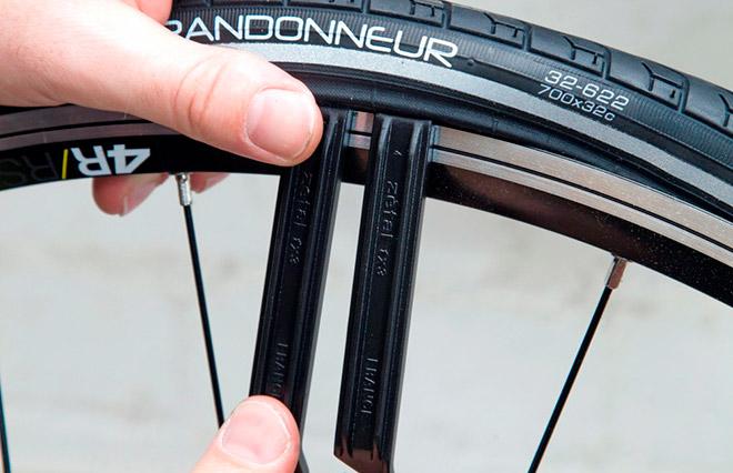 Как заклеить камеру велосипеда в домашних условиях быстро и надежно: лучшие способы