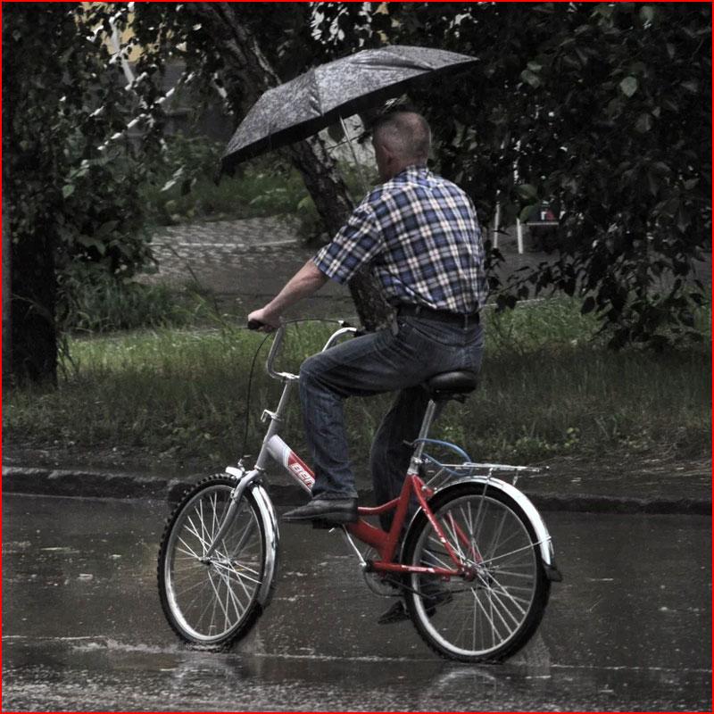 Что надевать при катании на велосипеде в дождь | сайт котовского