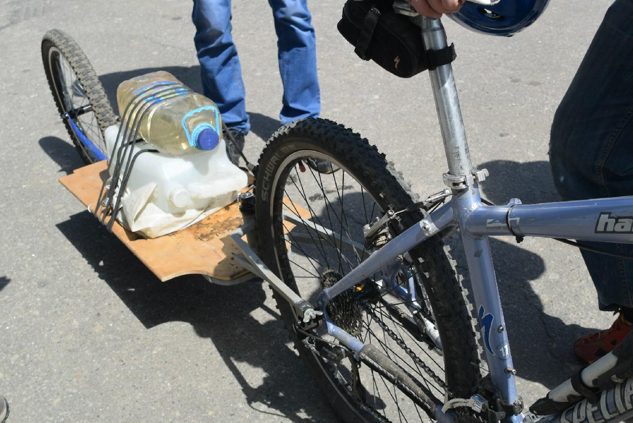 Какими бывают велосипедные прицепы? катаем налегке!